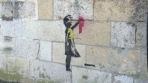 """هل يحمل رسم دعم """"السترات الصفراء"""" في بوردو الفرنسية توقيع بانكسي حقا؟"""