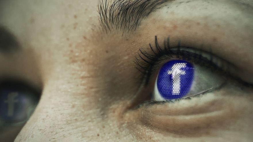 Компания Facebook заблокировала три канала, которые поддерживает Россия