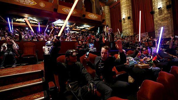 Fransa'da ışın kılıcıyla düello resmen spor oldu
