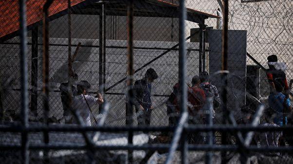 Κακομεταχείρηση και κακές συνθήκες για τους κρατούμενους μετανάστες στην Ελλάδα