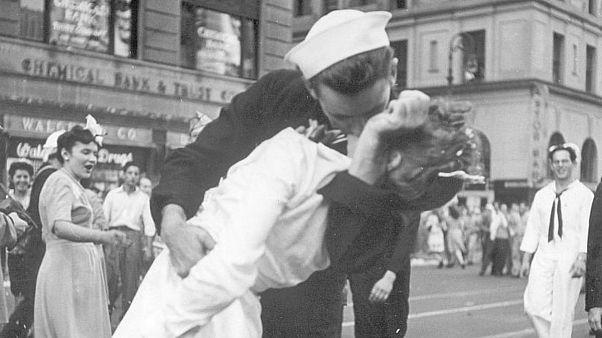 ملوان صاحب عکس بوسه مشهور میدان تایمز نیویورک درگذشت