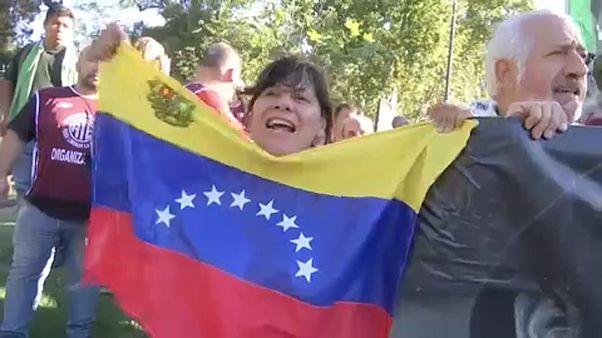 Tüntetés Maduro mellett