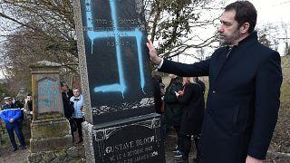 Nach Grabschändung: Macron will Antisemitismus entschlossen bekämpfen