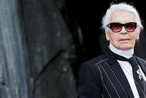 На 86-м году жизни скончался модельер Карл Лагерфельд
