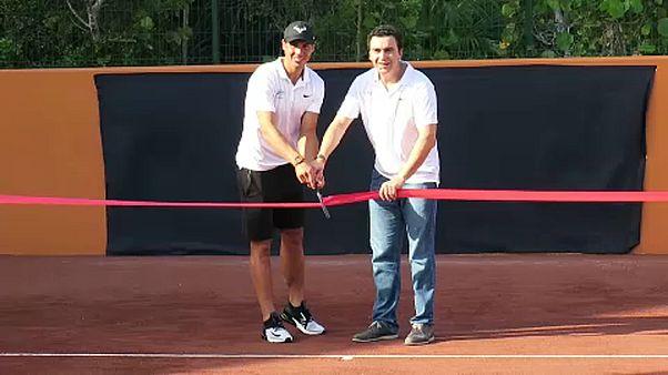 Nadal inaugura academia de ténis no México
