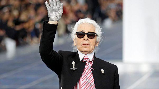 Fendi rinde homenaje a Karl Lagerfeld