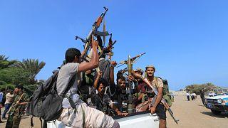 مقاتلون من جماعة الحوثي اليمنية في مدينة الحديدة