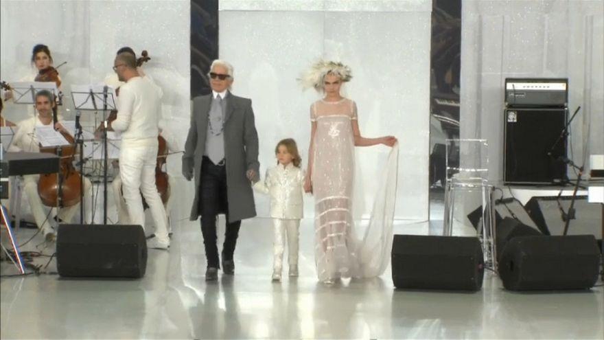 Lagerfeldre emlékeztek világszerte