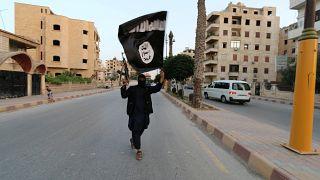 """أوروبيون انضموا لصفوف """"الدولة الإسلامية"""" ..ماذا تعرف عنهم؟"""
