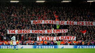 Bayern Münihli taraftarlar bilet fiyatlarını protesto etti, Liverpool alkışladı
