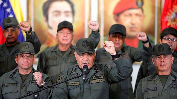 Venezuela ordusu ABD yardımlarına karşı sınıra konuşlandırılıyor