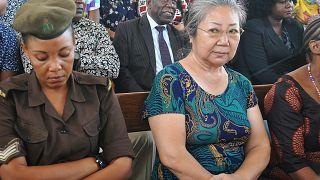 ملكة العاج أثناء جلسة المحكمة في تنزانيا