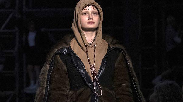 'İntihar moda değildir': İngiliz moda devi Burberry'den 'idam ipli' tasarıma özür