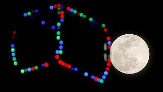 Super lua cheia ilumina noite de terça-feira