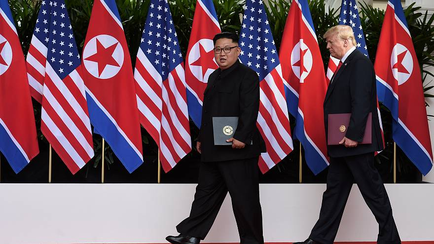 كيم جونغ أون ودونالد ترامب في القمة السابقة التي جمعتهما
