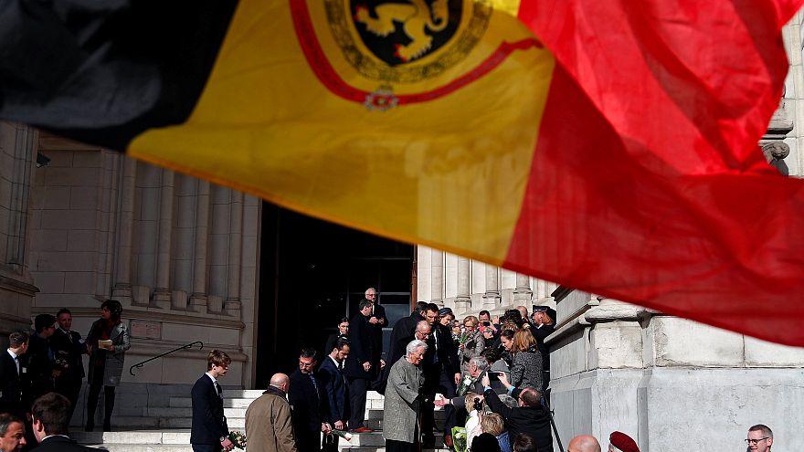 گزارش پارلمان بلژیک: تعدادی از وفاداران به هیتلر هنوز از آلمان حقوق میگیرند