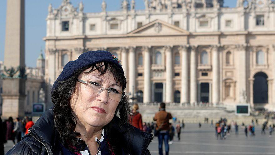 Esther Hatfield Miller a Szent Péter téren