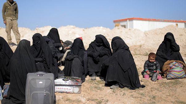 قوات سوريا الديمقراطية: إجلاء مدنيين من آخر معقل لتنظيم الدولة الإسلامية