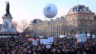 Fransa'da Yahudi düşmanlığına protesto