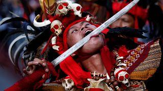 من الاحتفالات في إندونيسيا