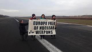 اعتقال 3 برلمانيين أوروبيين داخل قاعدة عسكرية في بلجيكا