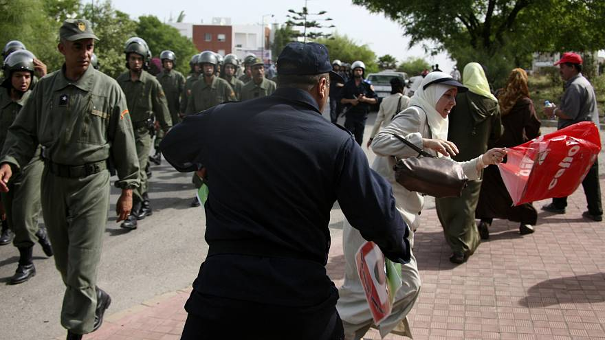 الشرطة المغربية تفرق المسيرات الاحتجاجية للمعلمين فى الرباط