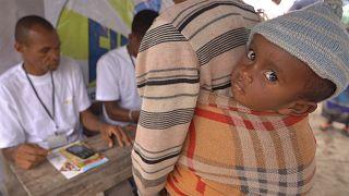 Reparto de dinero en efectivo en Madagascar para evitar la hambruna