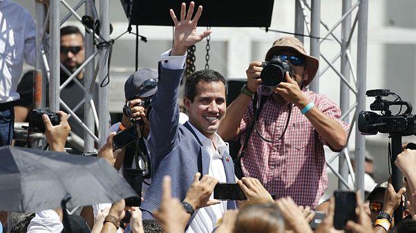 تلاش اپوزیسیون ونزوئلا برای جذب همحزبیهای نیکلاس مادورو در دولت انتقالی