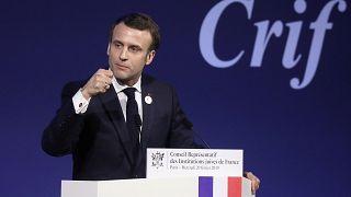 """Macron promet des """"actes"""" à la communauté juive"""