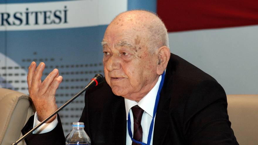 Tarihçi Kemal Karpat ABD'de yaşamını yitirdi