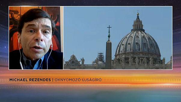 Kevesli a Vatikán lépéseit a botrányok egyikét feltáró újságíró