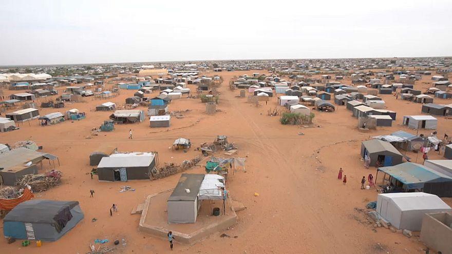Беженцы из Мали: без крова и еды