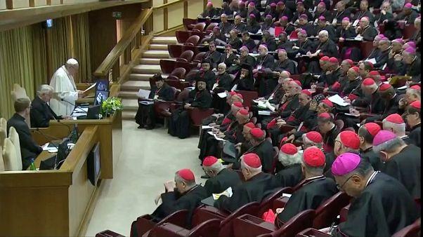 Vatikan 4 günlük konferansta kilisede çocuk istismarına çözüm arıyor