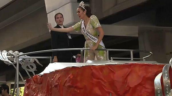 Accueil triomphal de Miss Univers à Manille