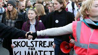 İklim eylemlerinin 'sembol'lerinden Greta Thunberg AB yetkilileri ile görüştü