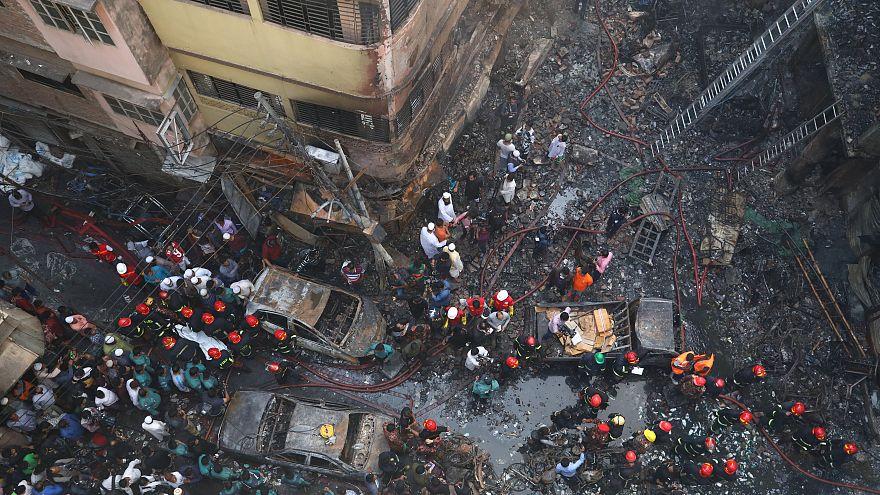 Bangladeş'te yangın: En az 70 ölü