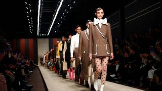 Karl Lagerfeld utolsó kollekcióját mutatta be a Fendi Milánóban