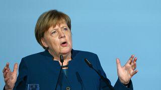 EU-Streit mit Ungarn: Merkel positioniert sich pro Juncker