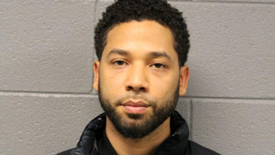 Para verip kendini dövdürten siyahi eşcinsel oyuncuya adaleti yanıltmaktan 100 bin dolar ceza