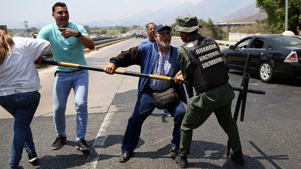 Juan Guaido se rend à la frontière colombienne