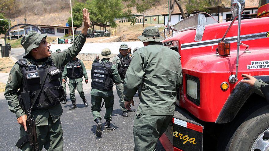 La Guardia Nacional venezolana bloquea una caravana de diputados