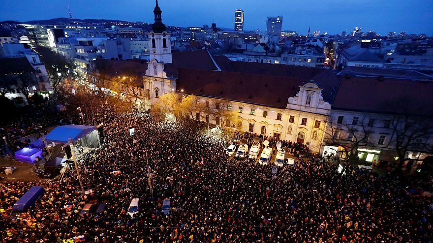 Migliaia di slovacchi nelle piazze per ricordare Jan Kuciak