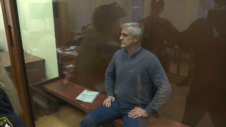 Megdöbbenti a befektetőket Calvey letartóztatása