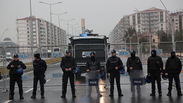 Τουρκία: Εισαγγελέας ζητά την σύλληψη 295 στελεχών των Ενόπλων Δυνάμεων