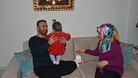 Adıyaman'da kız çocuklarına kavuşan aile