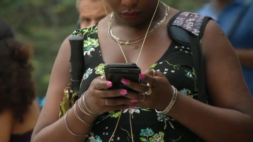 La nueva revolución cubana se hace a golpe de 3G