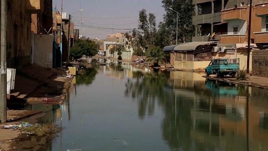 شاهد: مياه الصرف الصحي تغرق مدينة سبها في ليبيا