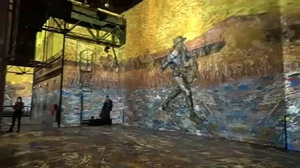 فيديو: محاكاة بصرية للوحات فان كوخ في معرضٍ فني بباريس