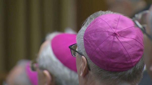 """Vaticano, conferenza sulla pedofilia: """"Un codice di comportamento universale per la Chiesa"""""""
