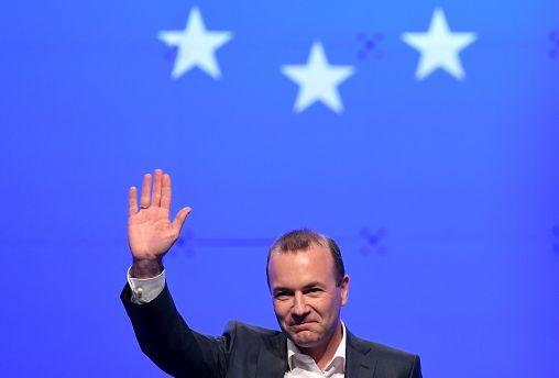 Weber szerint nem a fideszes képviselőkön dől el Európa jövője